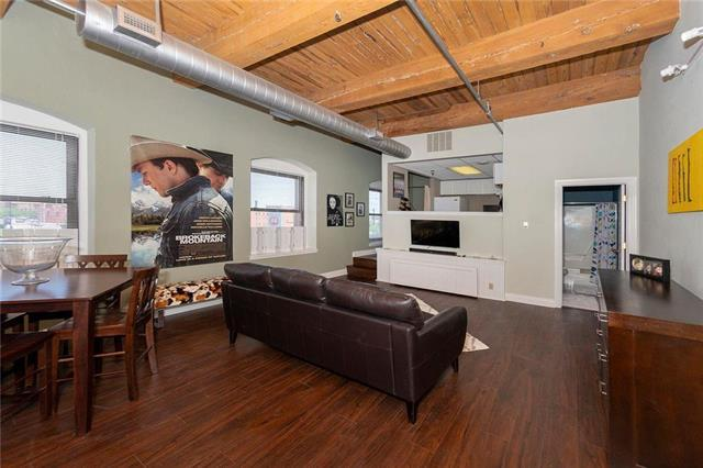 609 Central Street #1209, Kansas City, MO 64105 (#2166363) :: House of Couse Group