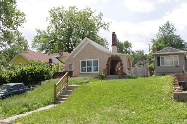 4035 Silver Avenue, Kansas City, KS 66106 (#2166431) :: Edie Waters Network