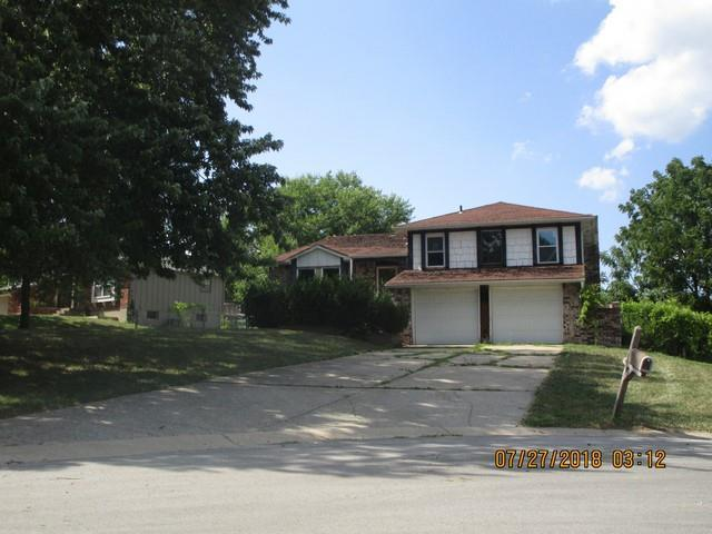 1616 NW Amesbury Court, Blue Springs, MO 64015 (#2166437) :: DHG Network