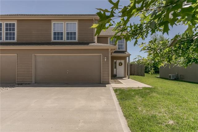 107 Bradley Court, Tonganoxie, KS 66086 (#2166452) :: House of Couse Group