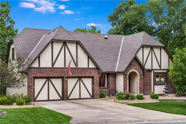 18300 E 50th Terrace Court, Independence, MO 64055 (#2167464) :: NestWork Homes