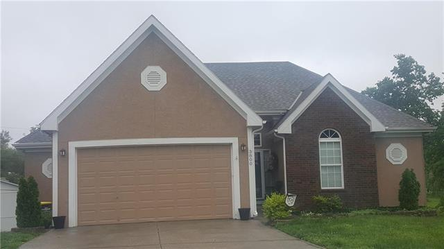 3800 NE 72nd Terrace, Gladstone, MO 64119 (#2167499) :: House of Couse Group