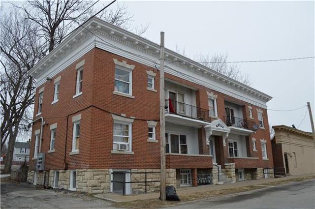 3210 E 13TH Street, Kansas City, MO 64127 (#2167627) :: Eric Craig Real Estate Team