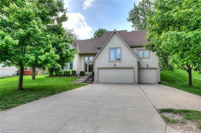 14003 W 58th Place, Shawnee, KS 66216 (#2167684) :: House of Couse Group