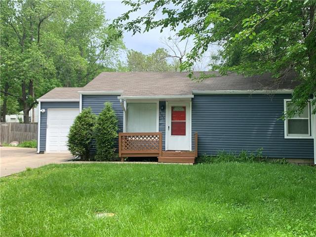 706 NE 44th Terrace, Kansas City, MO 64116 (#2167742) :: Team Real Estate