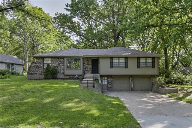 4225 N Grand Avenue, Kansas City, MO 64116 (#2167755) :: Edie Waters Network