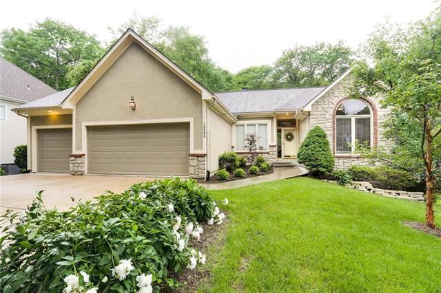 10808 Washington Court, Kansas City, MO 64114 (#2167764) :: Team Real Estate
