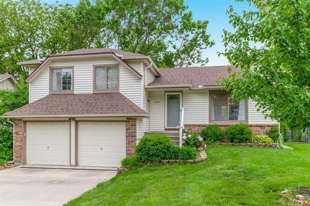 1509 S Kiowa Drive, Olathe, KS 66062 (#2167780) :: Team Real Estate