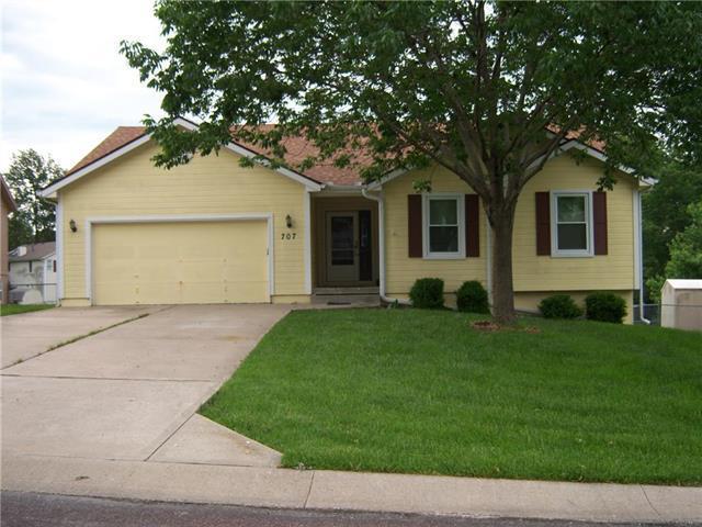 707 Berkshire Drive, Belton, MO 64012 (#2167845) :: No Borders Real Estate