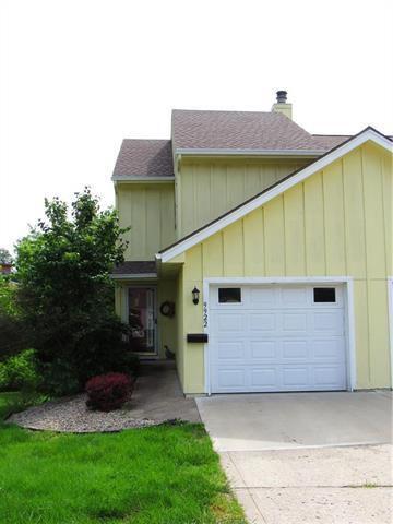 9922 N Cherry Drive, Kansas City, MO 64155 (#2167860) :: Dani Beyer Real Estate
