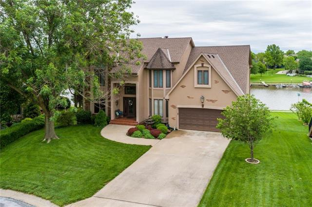 5031 Kingfisher Drive, Lee's Summit, MO 64082 (#2167875) :: House of Couse Group
