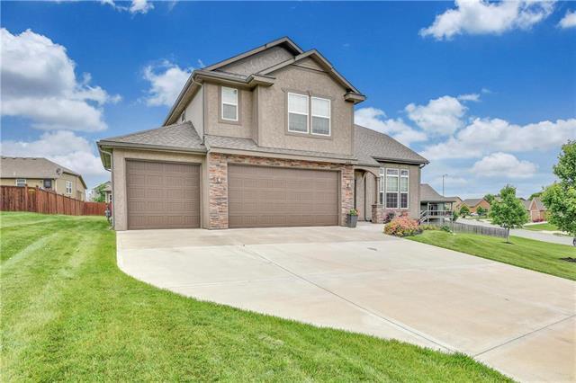 486 S 137th Place, Bonner Springs, KS 66012 (#2167887) :: Team Real Estate
