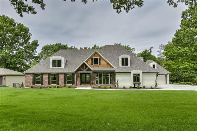 9600 Lee Boulevard, Leawood, KS 66206 (#2167888) :: House of Couse Group