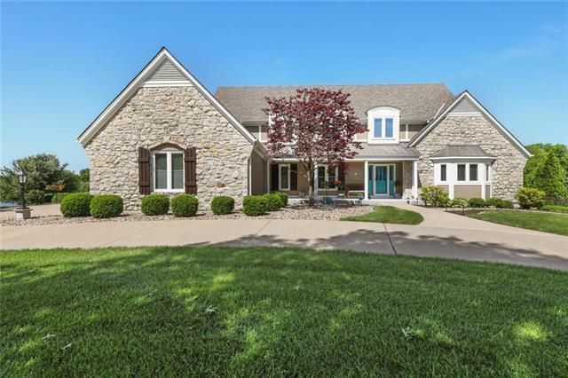 15592 S Greenwood Street, Olathe, KS 66062 (#2167924) :: House of Couse Group