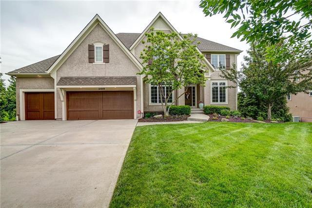 21009 W 81st Place, Lenexa, KS 66220 (#2167936) :: House of Couse Group