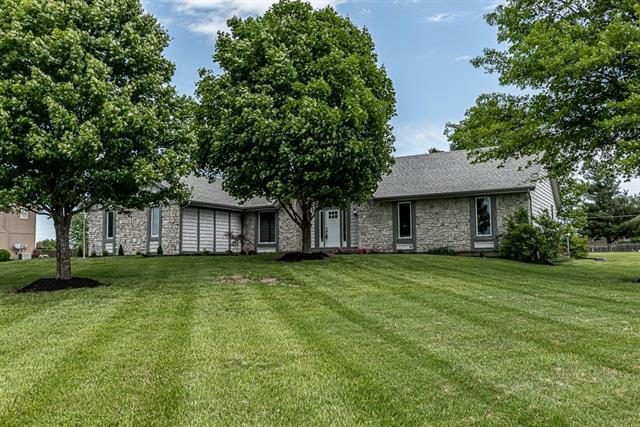 17704 158th Street, Basehor, KS 66007 (#2167939) :: No Borders Real Estate