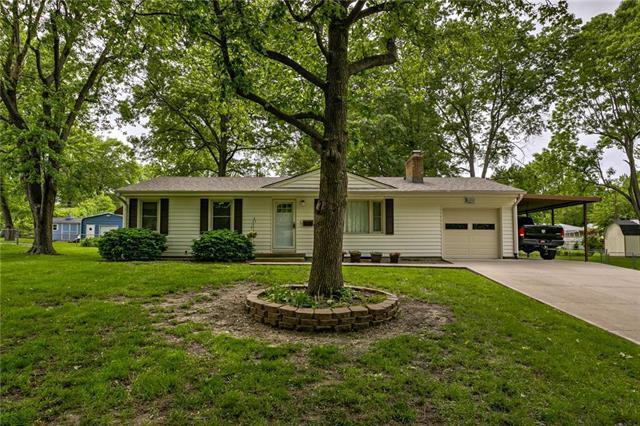 6202 Hedges Avenue, Raytown, MO 64133 (#2167945) :: No Borders Real Estate