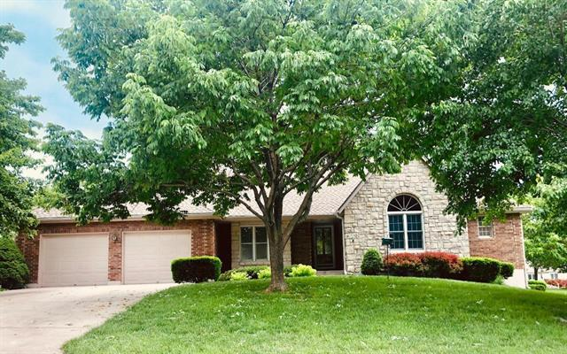 304 SE Alexandria Drive, Lee's Summit, MO 64063 (#2167947) :: House of Couse Group