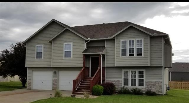 2700 E Hickory Court, Tonganoxie, KS 66086 (#2167961) :: Edie Waters Network