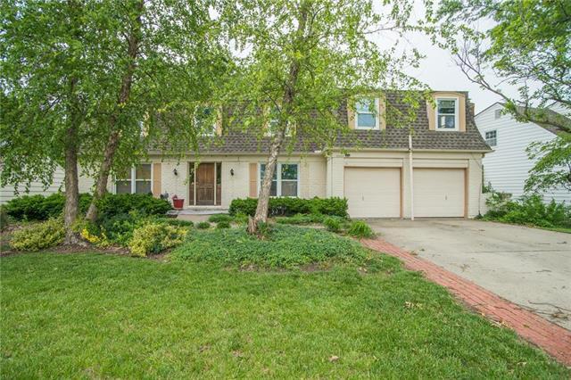 11829 Oak Street, Kansas City, MO 64114 (#2167981) :: No Borders Real Estate