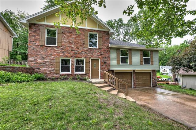 10509 NW 58th Street, Parkville, MO 64152 (#2167994) :: House of Couse Group