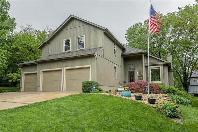 11464 S Northwood Circle, Olathe, KS 66061 (#2168006) :: House of Couse Group