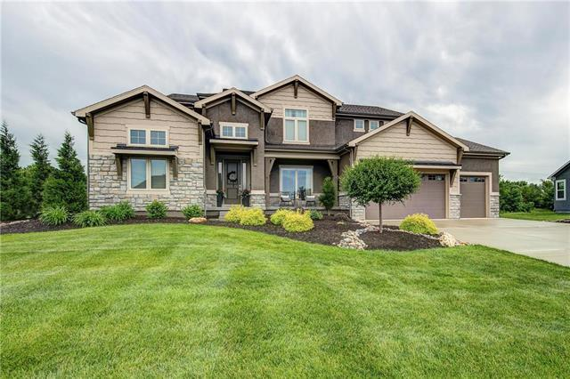 15517 Stearns Street, Overland Park, KS 66221 (#2168011) :: House of Couse Group