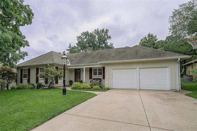 3611 W 52nd Place, Roeland Park, KS 66205 (#2168023) :: The Shannon Lyon Group - ReeceNichols