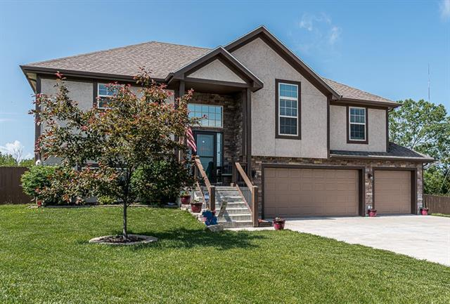 15335 Sycamore Street, Basehor, KS 66007 (#2168054) :: House of Couse Group