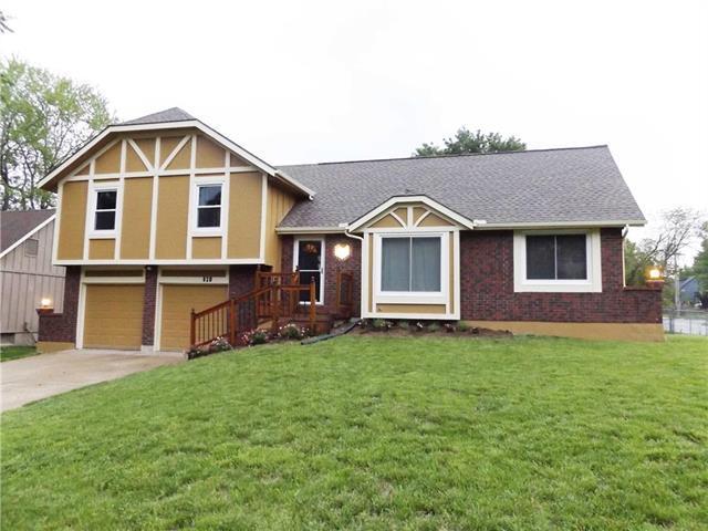820 E Layton Drive, Olathe, KS 66061 (#2168070) :: Dani Beyer Real Estate