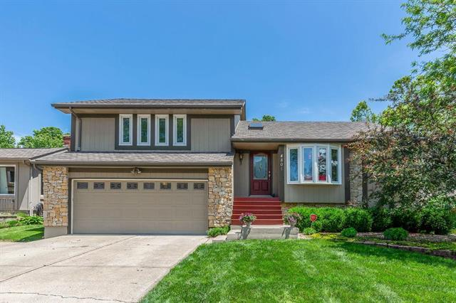 4801 NE Pebble Beach Street, Lee's Summit, MO 64064 (#2168072) :: Dani Beyer Real Estate