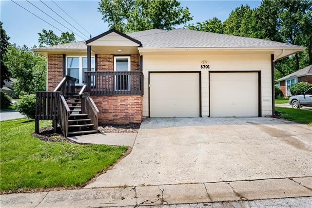 8701 W 61 Terrace, Merriam, KS 66202 (#2168076) :: Dani Beyer Real Estate
