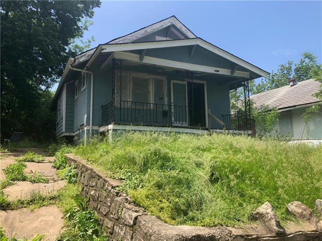 5611 E 27th Street, Kansas City, MO 64128 (#2168207) :: Eric Craig Real Estate Team