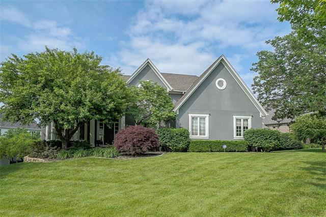 5714 W 128th Street, Overland Park, KS 66209 (#2168385) :: Kansas City Homes