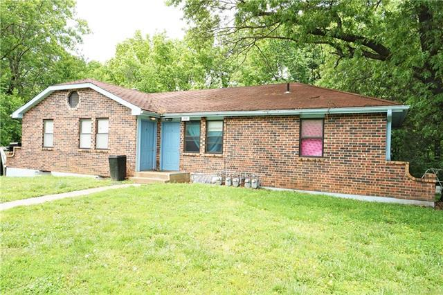 222 SE 101 Road, Warrensburg, MO 64093 (#2168522) :: Clemons Home Team/ReMax Innovations