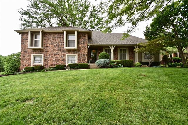 10448 Caenen Drive, Overland Park, KS 66215 (#2168614) :: Eric Craig Real Estate Team
