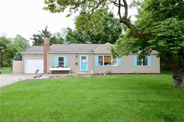 8501 Santa Fe Drive, Overland Park, KS 66212 (#2168698) :: Clemons Home Team/ReMax Innovations