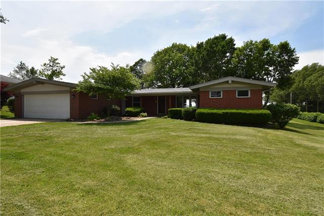 1000 Elm Street, Higginsville, MO 64037 (#2168922) :: House of Couse Group