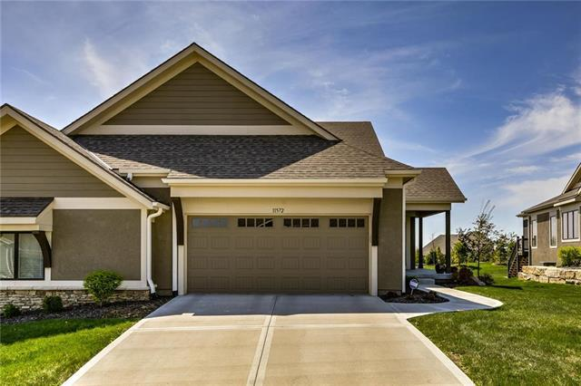 11572 S Waterford Drive, Olathe, KS 66061 (#2168967) :: House of Couse Group