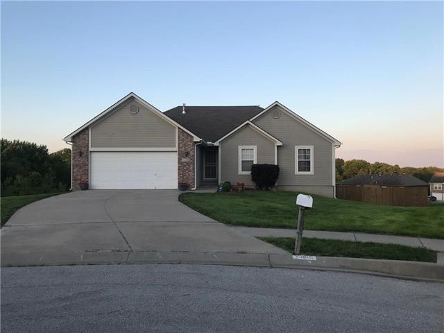 5405 Larson Avenue, Kansas City, MO 64133 (#2169024) :: Clemons Home Team/ReMax Innovations