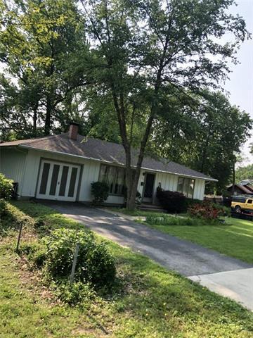 5521 Maple Street, Mission, KS 66202 (#2169170) :: Eric Craig Real Estate Team