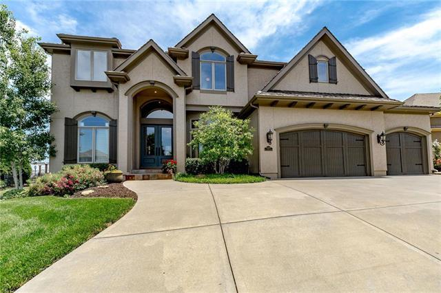 9109 Falcon Ridge Drive, Lenexa, KS 66220 (#2169207) :: The Shannon Lyon Group - ReeceNichols