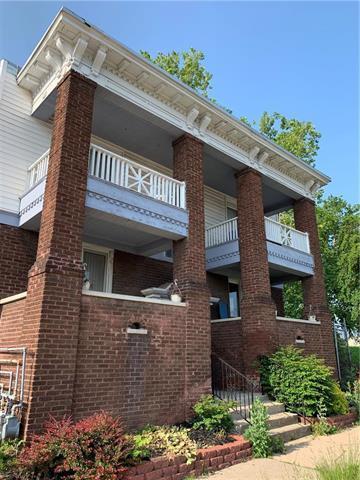 1808 E 35TH Street, Kansas City, MO 64109 (#2169209) :: Clemons Home Team/ReMax Innovations