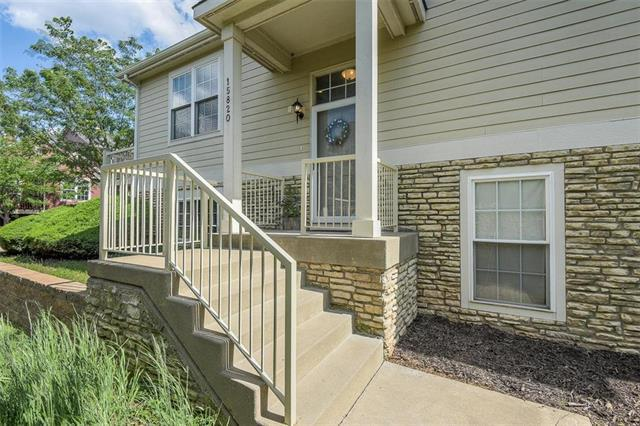 15820 Robinson Street, Overland Park, KS 66223 (#2169254) :: House of Couse Group