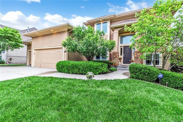 10411 N Euclid Avenue, Kansas City, MO 64155 (#2169343) :: House of Couse Group