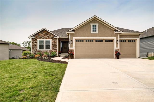 17606 Greyhawke Ridge Drive, Smithville, MO 64089 (#2169440) :: Eric Craig Real Estate Team