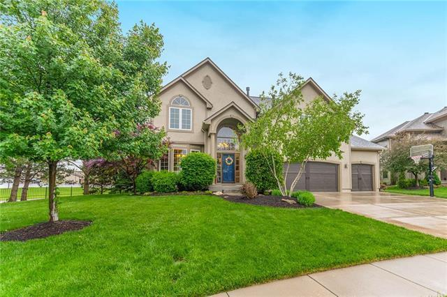 21907 W 56th Street, Shawnee, KS 66226 (#2169593) :: House of Couse Group
