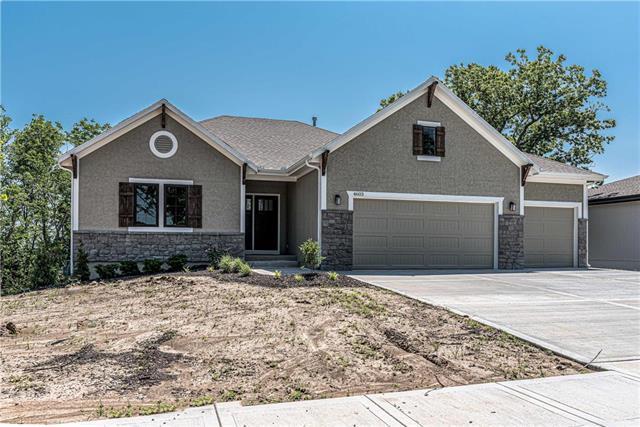 4757 Lakecrest Drive, Shawnee, KS 66218 (#2169649) :: Eric Craig Real Estate Team
