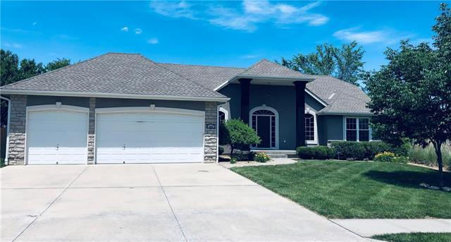 1401 SE Woodbine Drive, Blue Springs, MO 64014 (#2169698) :: House of Couse Group