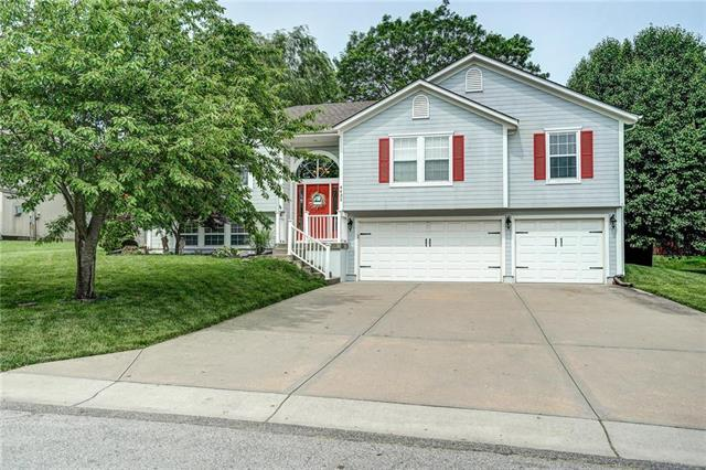 4432 SW Rivulet Drive, Lee's Summit, MO 64082 (#2169752) :: House of Couse Group